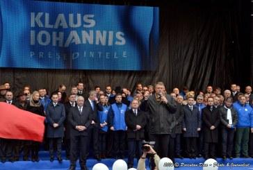 Iohannis la Cluj. Peste 18.000 de susținători în Piața Lucian Blaga – FOTO