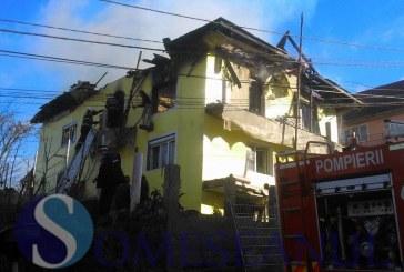 ULTIMA ORĂ: Casă cuprinsă de flăcări, în Gherla – FOTO/VIDEO