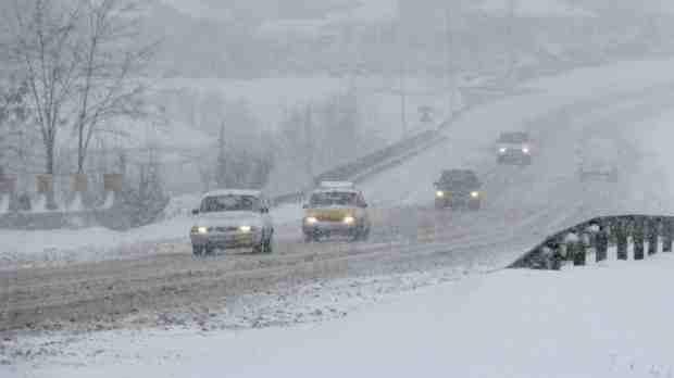 trafic ninsoare zapada masini
