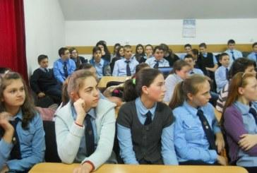 Elevii și preșcolarii intră în vacanță. Absolvenții încep evaluarea națională