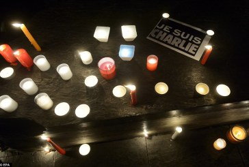 """""""Cluj est Charlie"""" – Jurnaliștii clujeni își arată solidaritatea față de cei francezi"""