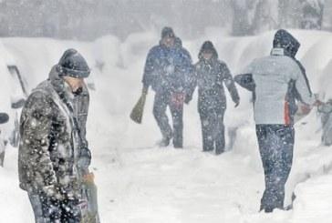 Ninsori și ger în nord-vestul țării până luni dimineața