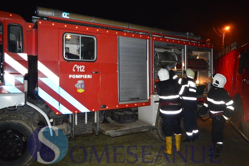 someseanul-pompieri mociu incendiu-2
