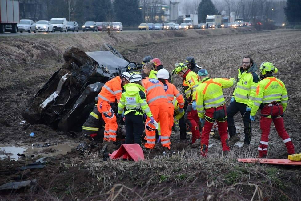 accident romani italia 4 morti