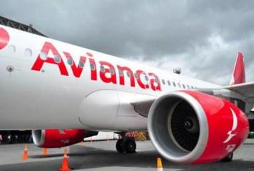 Un român a fost găsit mort în toaleta unui avion