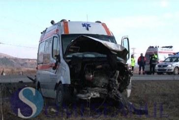 Ambulanță  implicată în accident între Florești și Gilău. Un bărbat a murit – FOTO/VIDEO