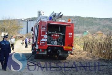 Incendiu la un adăpost de animale din localitatea maramureșeană Sârbi