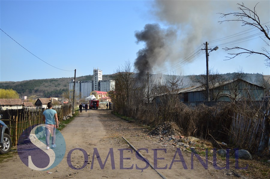incendiu gherla pompierii
