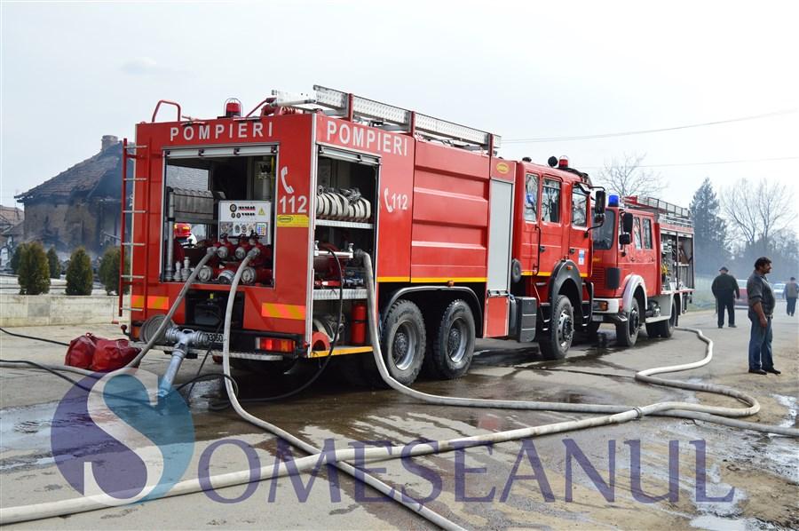 incendiu jucu pompierii-6