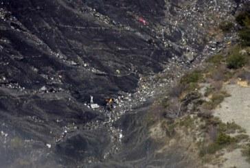 Infiorător! Copilotul a prăbușit intenționat avionul în Alpii francezi – 150 de oameni au murit