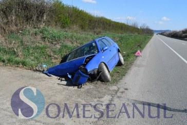 JUCU: Un Volkswagen s-a izbit violent de un cap de pod – FOTO
