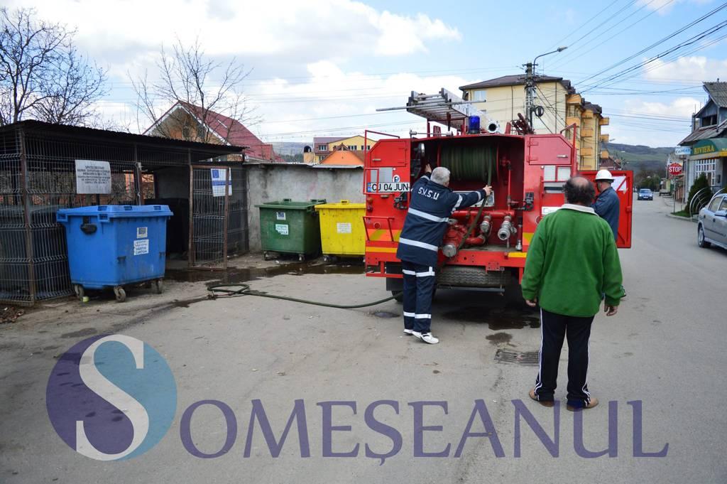 Incendiu violent langa Parcul Mare. 6 containere au fost incendiate – FOTO