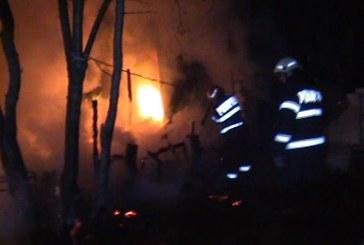 Un bărbat a murit după ce bucătăria de vară în care dormea a ars