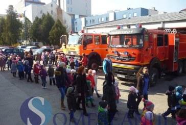 """Aproximativ 2.500 de elevi clujeni au vizitat ISU Cluj în perioada """"Școala Altfel"""" – FOTO"""