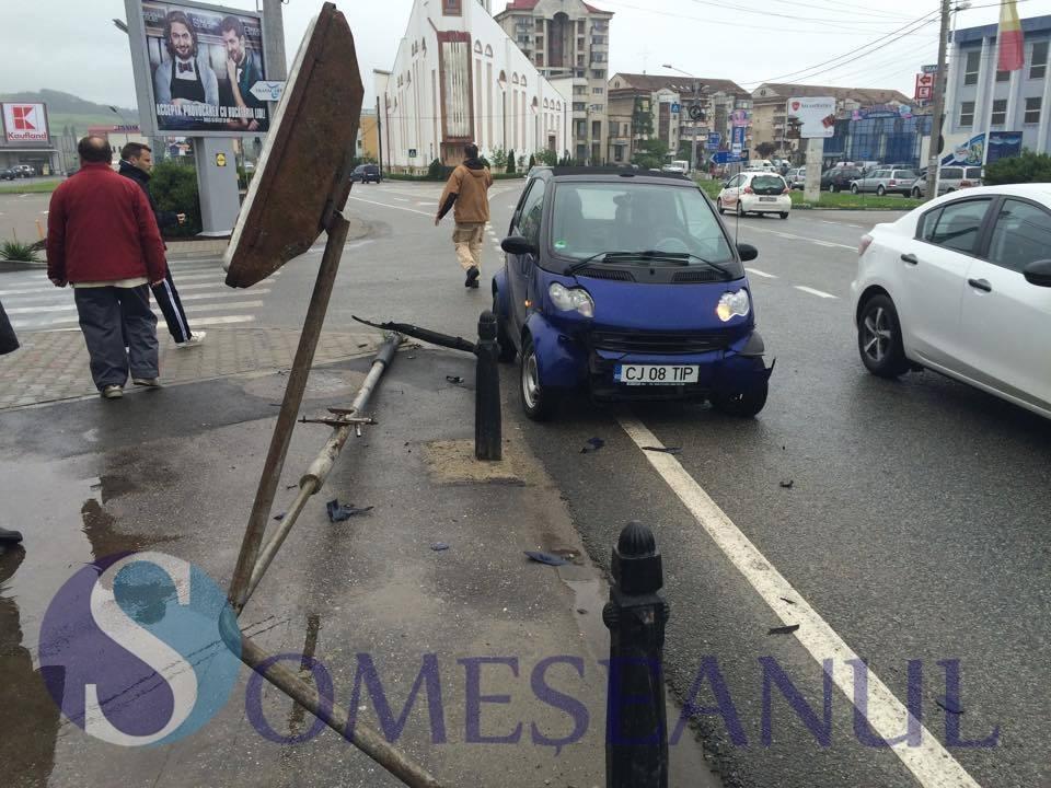 accident intersectie gherla 1