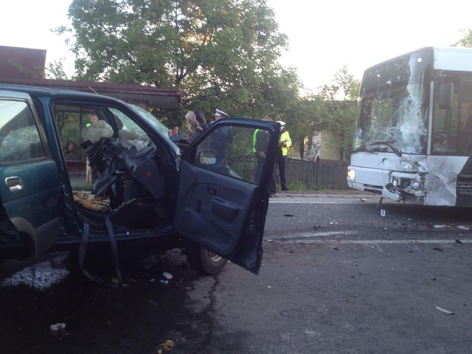 accident tautii magheraus autobuz-autocar