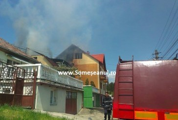 FOTO/VIDEO – Nenorocirea care a marcat Dejul! Două vile distruse de flăcări