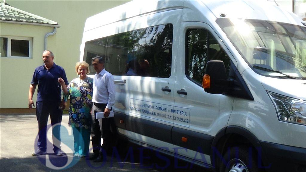 microbuz nou LAPI Dej