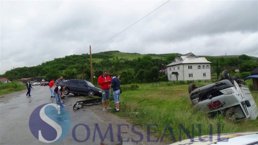 someseanul-accident masina rasturnata manastirea (1)