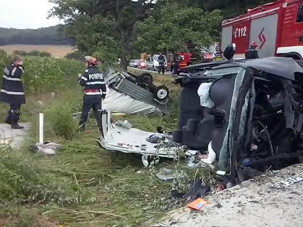 accident masina rasturnata cap de pod Romanasi (1)