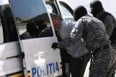 Bărbați prinși în flagrant de polițiștii clujeni, după ce au pătruns prin efracție într-o locuință – VIDEO