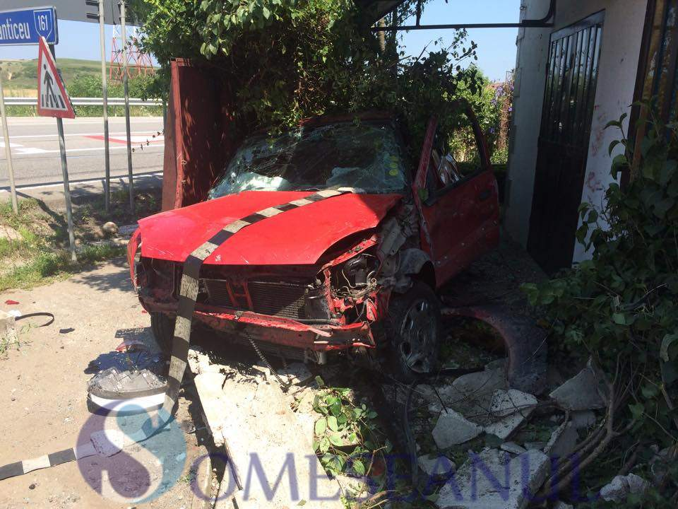 someseanul-accident masina gard fundatura