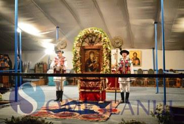 Mănăstirea Nicula în sărbătoare. Zeci de mii de credincioși participă la sărbătoarea Adormirii Maicii Domnului – FOTO/VIDEO