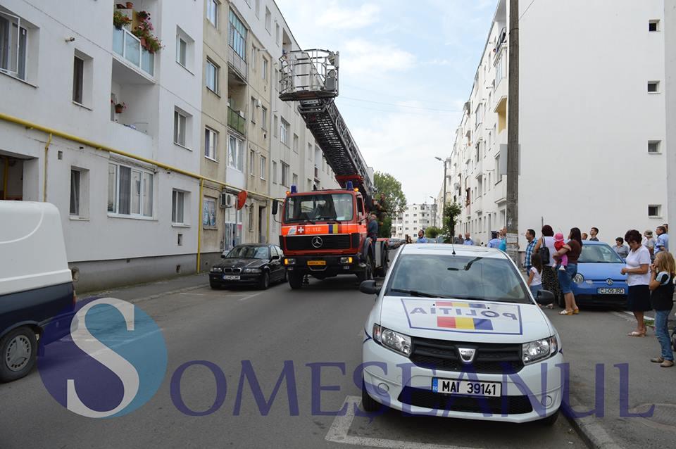 persoana blocata apartament stejarului pompierii 1