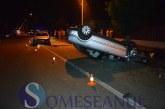 Accident la ieșire din Gherla. O mașină s-a răsturnat – FOTO