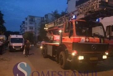 Femeie găsită moartă în apartament, la Gherla. Pompierii au intrat pe geam – FOTO/VIDEO