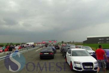"""Transilvania Drag Race la Câmpia Turzii: """"Liniuțe"""" legale pe autostradă – FOTO/VIDEO"""