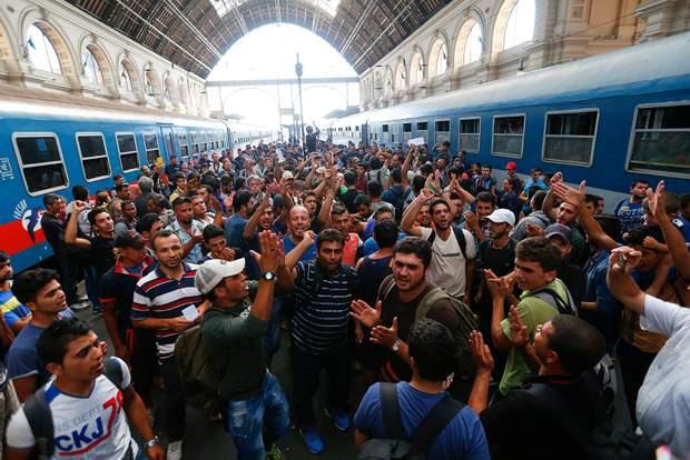 imigrants-hungary-austria-germany