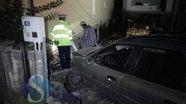 someseanul-accident masina gard cuzdrioara (3)