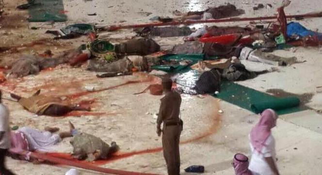 sute de morti la Mecca