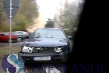 ACCIDENT: Neatenția l-a costat pe un șofer din Gherla – FOTO