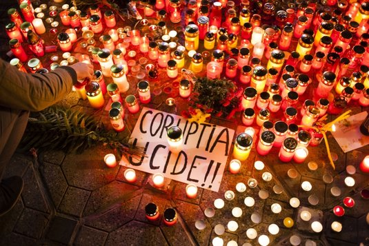 Coruptia ucide - lumanari