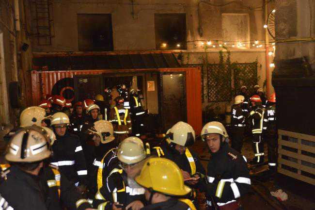 salvatori eroi incendiu club colectiv (7)