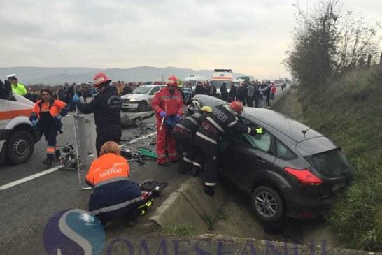 """Accident în Pasul Gutâi, provocat de un șofer """"turmentat"""". Trei persoane au ajuns la spital"""