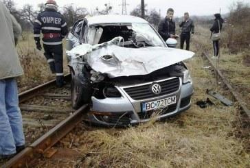 FOTO – Un nou accident feroviar în Bistrița. O mașină a fost lovită de un tren la Susenii Bârgăului