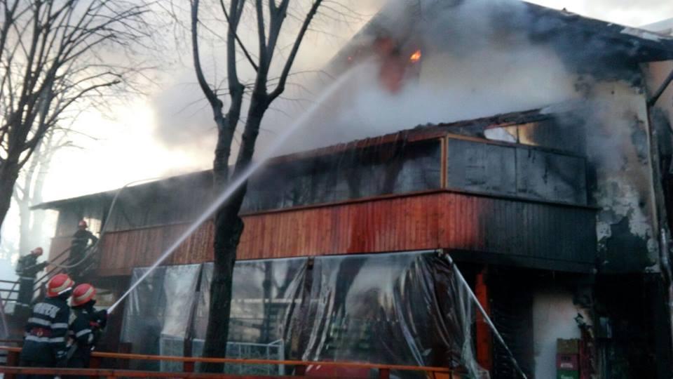 File:Bucuresti, Romania, Clubul Colectiv (Tristete fara ...  |Incendiu Bucuresti