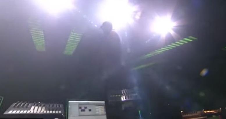 VIDEO – Legenda trance Paul van Dyk a ajuns în stare gravă la spital după ce a căzut de pe scenă