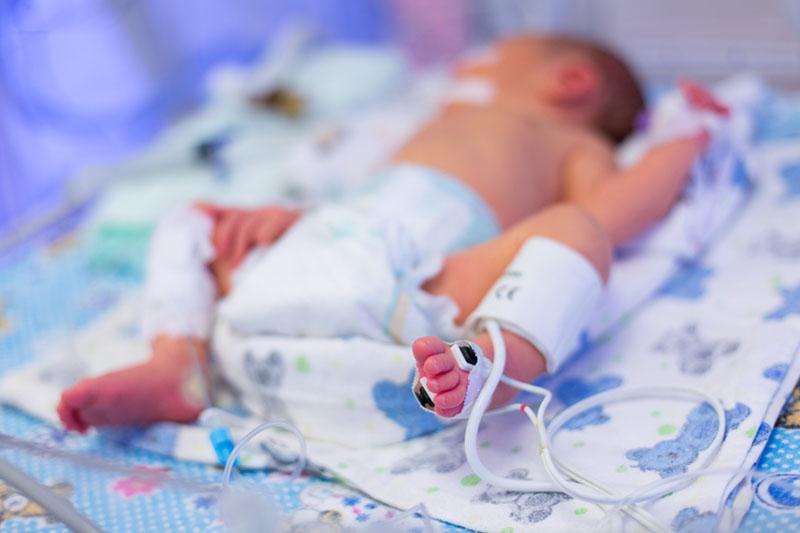 bebelus-spital