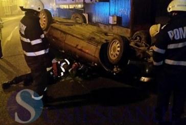 FOTO/VIDEO – Un tânăr din Dej s-a urcat beat la volan și s-a răsturnat cu mașina. Un alt dejean a fost grav rănit