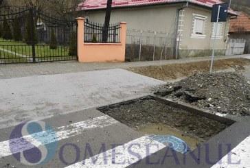 """Locuitorii din Viile Dejului se revoltă (din nou) din cauza lucrărilor de canalizare: """"Își bat joc de noi"""" – VIDEO"""