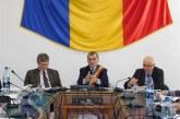 """Premieră la Dej: Viceprimarul """"a sărit la gâtul"""" primarului pe tema proiectului blocului V03 la ședința de consiliu – VIDEO"""