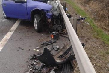 FOTO – Accident mortal la Huedin, după ce un autoturism a intrat frontal într-un camion
