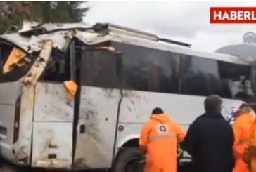 Doi români morți și alți 14 răniți într-un accident de microbuz în Turcia – VIDEO
