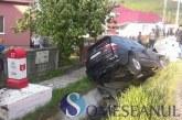 Accident rutier la Cășeiu. O familie a ajuns la spital, după ce s-a izbit cu mașina de un cap de pod – FOTO/VIDEO