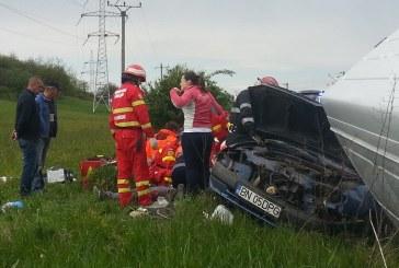 Tragedie în Joia Mare: Doi morți și doi răniți după impactul dintre un microbuz și un autoturism la Șintereag – FOTO