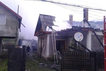 Incendiu de proporții în Șanț: Cinci gospodării afectate și o persoană rănită – FOTO